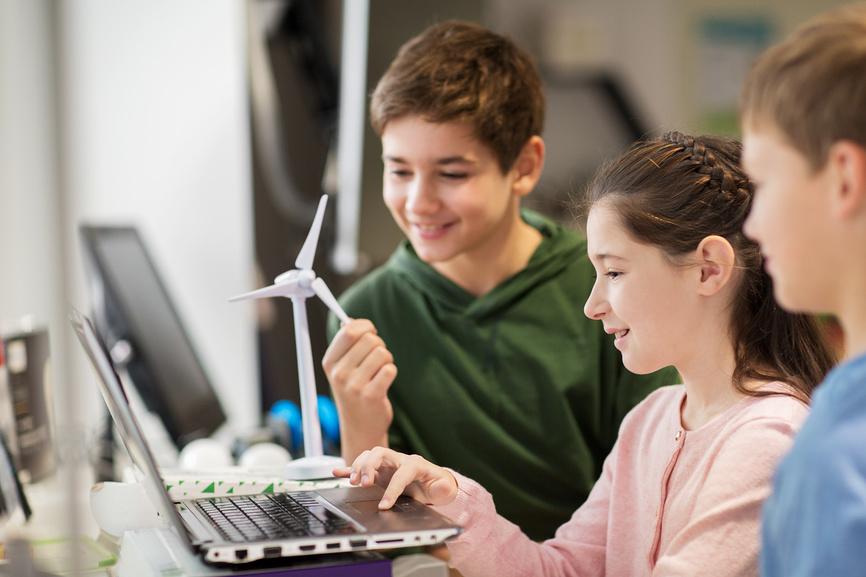 В российских школах на компьютерах установят систему блокировки опасного контента